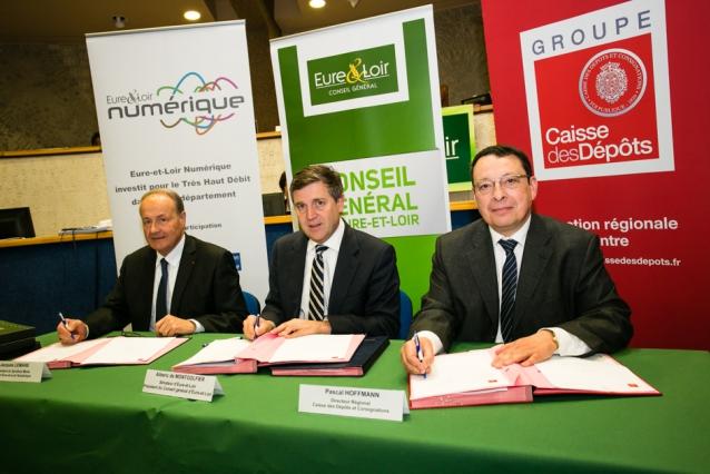 Signature d'un prêt de 11 millions d'euros entre la Caisse des Dépôts et Consignations et Eure-et-Loir Numérique